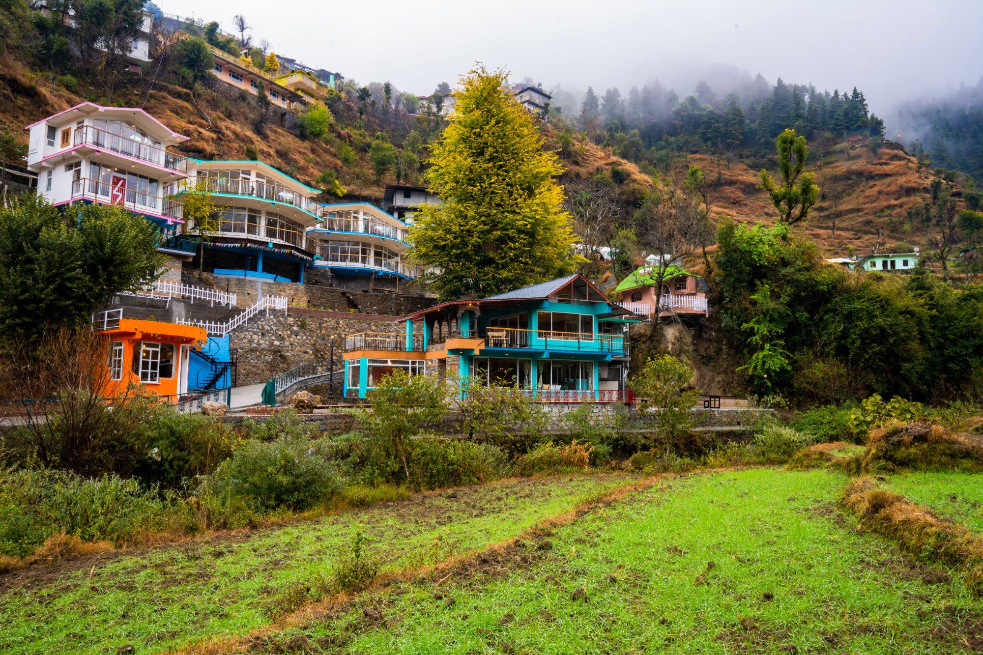 Zostel Mussoorie, best backpacking hostel in Dehradun Mussoorie Uttarakhand
