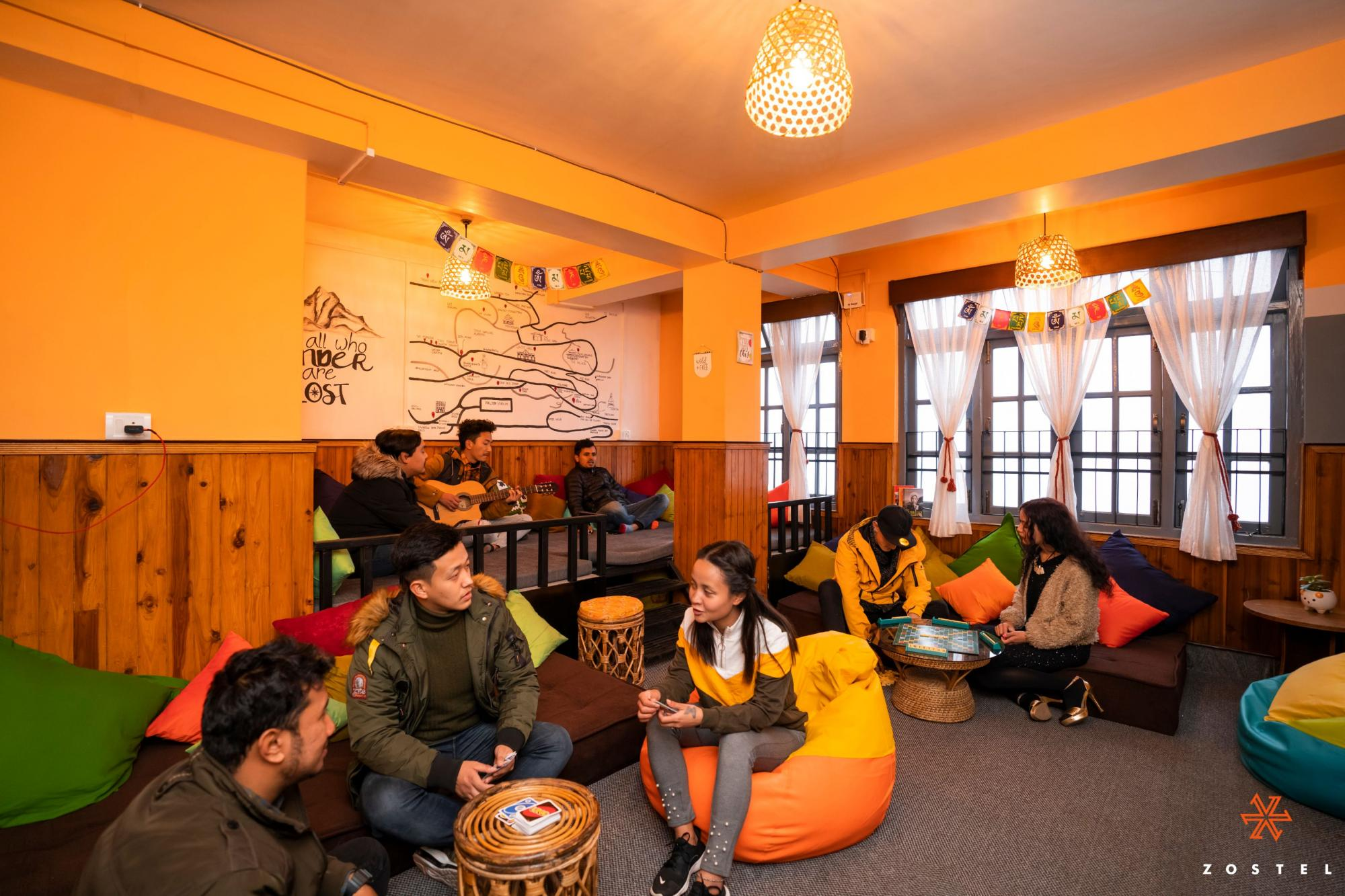 The common room of Zostel Gangtok