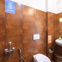 Western washrooms at our backpacker hostel in Wayanad