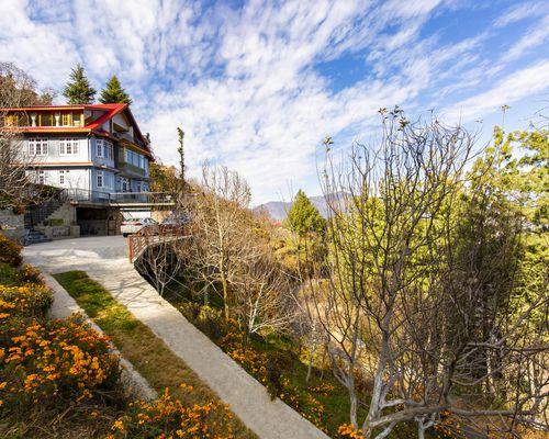 ZostelX Kotgarh, Shimla