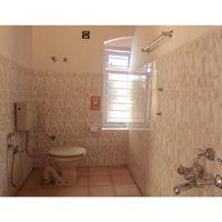 Spacious, clean, western style washrooms in Zostel Coorg