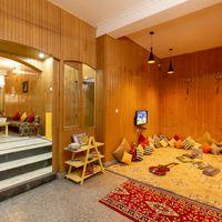 Common area of Zostel Srinagar to meet fellow backpackers
