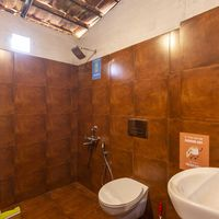 Spacious washrooms at Zostel Wayanad