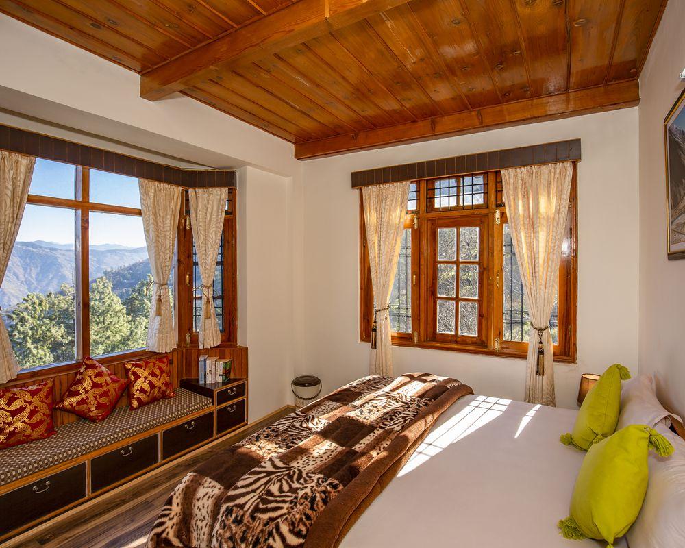 Cosy, basic room of ZostelX Kotgarh Shimla